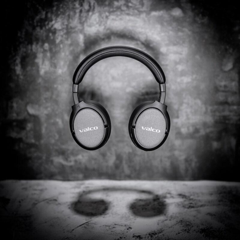 valco-kuulokkeet-plakat